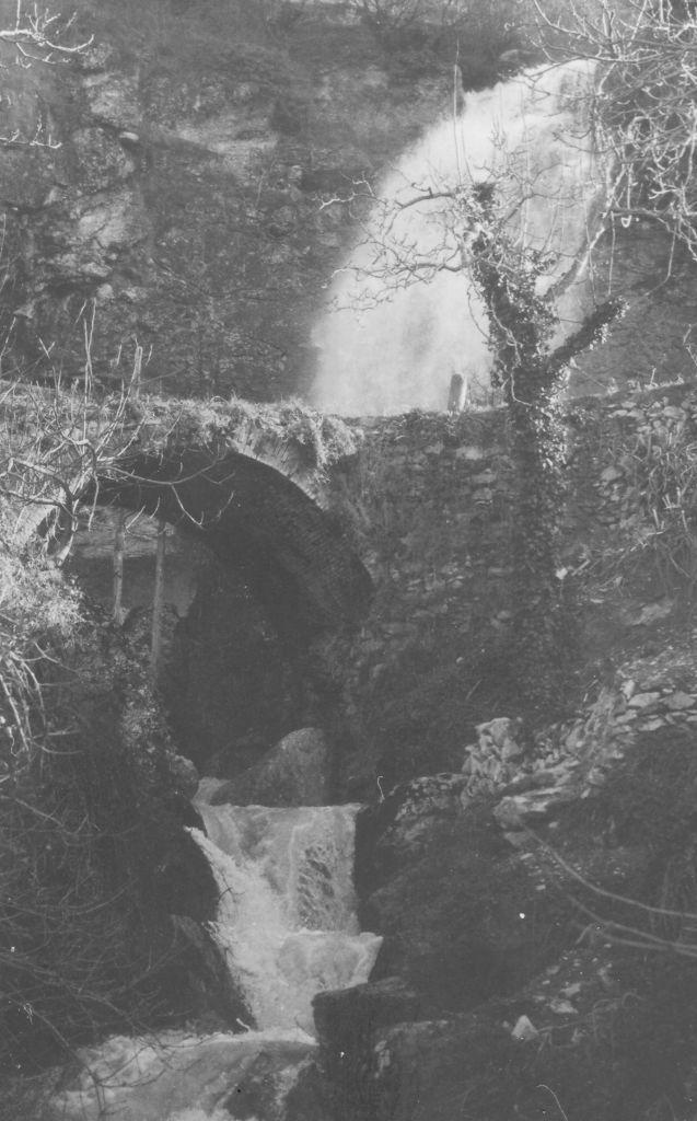 Il  vecchio ponte di Cerqueto, non più esistente - Archivio Federico Mastrodascio